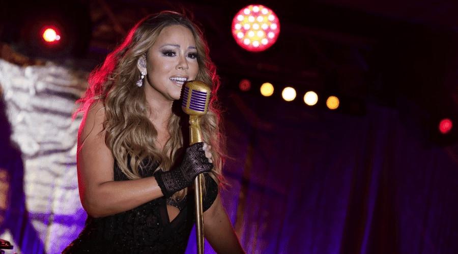 Mariah Carey trad op in las vegas 2017