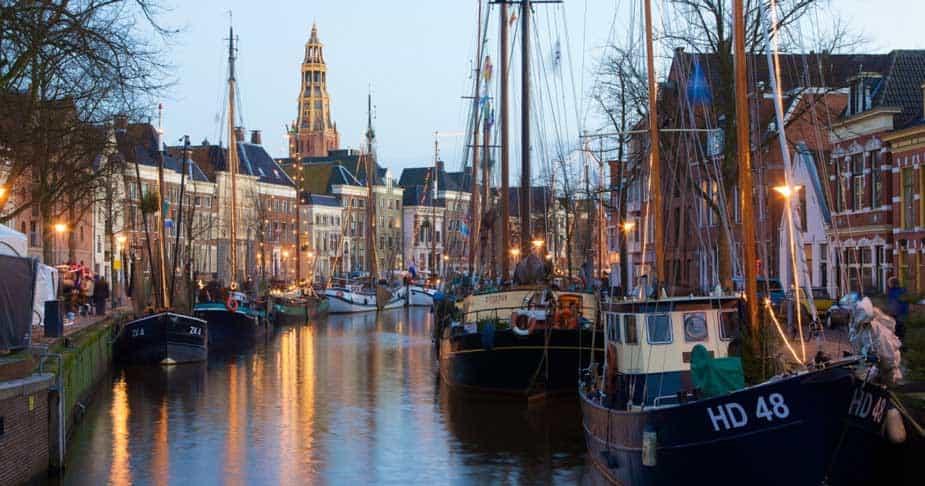 Holland Casino moet door de brand op zoek naar een nieuwe locatie in Groningen. Het casino is hier samen met de gemeente Groningen mee bezig.