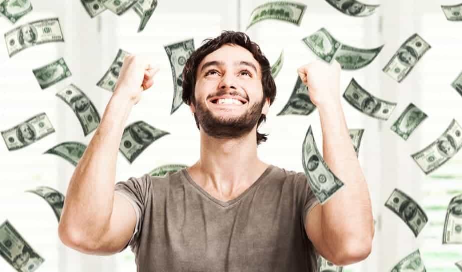 Meespelen met de loterij kan je zeker veel geld opleveren. Hier lees je wat de 10 grootste jackpot uitkeringen ooit zijn, bij diverse bekende loterijen.
