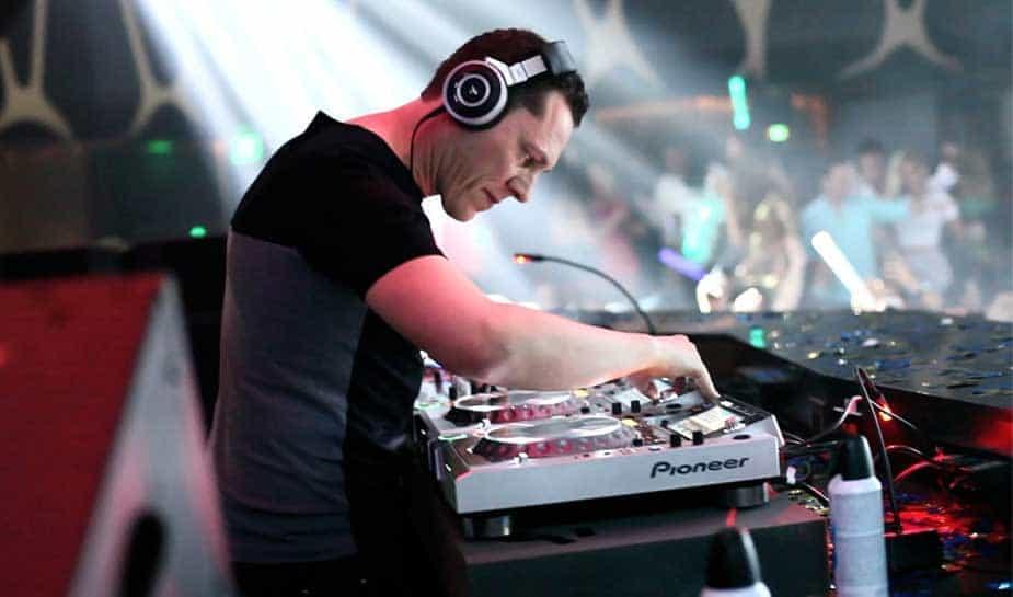 De club Hakkasan in Las Vegas heeft het contract met de Nederlandse DJ Tiësto verlengd. Dit betekent dat DJ Tiësto in ieder geval nog tot 2020 in de club in Las Vegas blijft draaien.