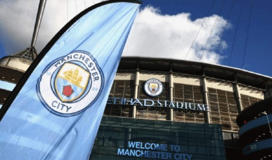 manchester city vlag voor stadion