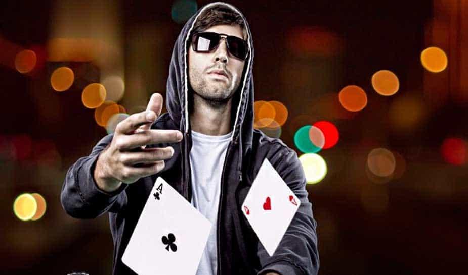 We naderen het eind van het eerste kwartaal van 2018. De tijd vliegt. Tijd om de balans op te maken voor de 'Pokerplayer of the Year'-award. Ondanks dat de award pas na het eerste kwartaal wordt uitgereikt, is het zeker de moeite waard om de eerste balans op te maken. Lees hier meer...