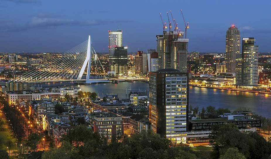 Om de risico's op schulden te verminderen, wil Stadinitatief Rotterdam de casinoleeftijd verhogen van 18 naar 21 jaar. In het Online Casino Ground artikel van vandaag vertellen wij je er meer over...