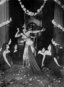 Mata Hari in Musée Guimet