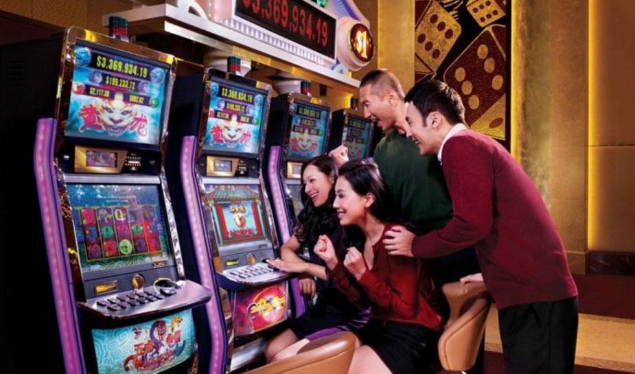 chinese gokkers spelen gokkast