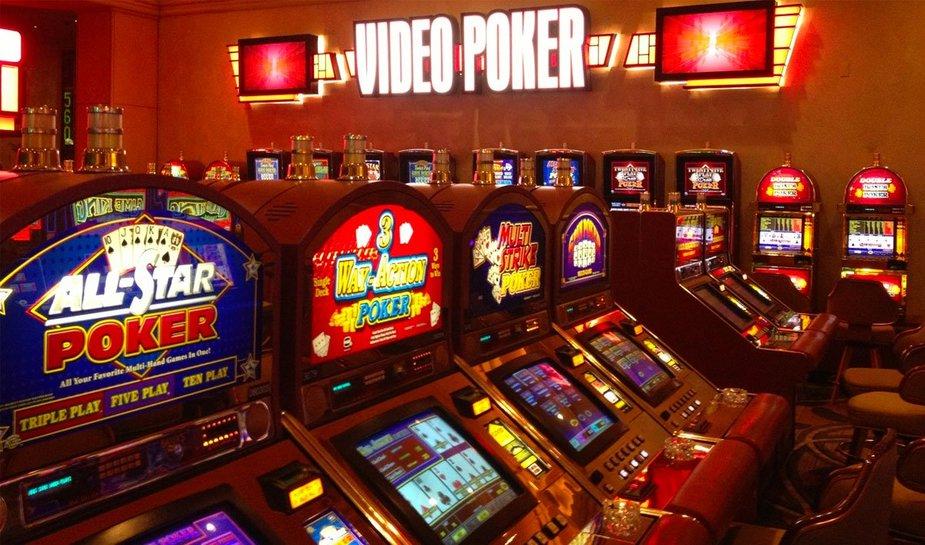 Video poker in casino