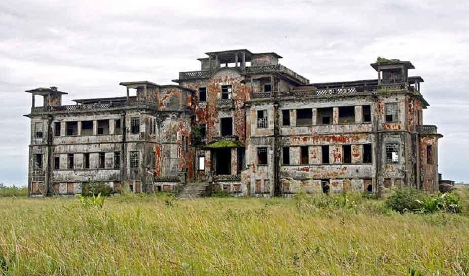 verlaten bokor casino wat inmiddels weer is opgebouwd en heropend in 2018