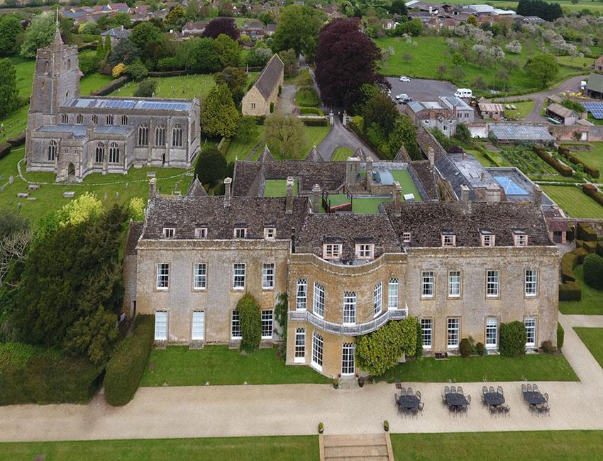 North Cadbury Court luchtfoto